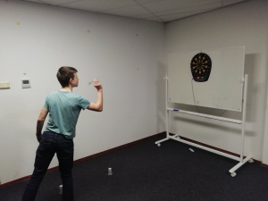 Bartho oefent speerwerpen