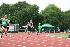 Sven liep een dik PR op de 200m