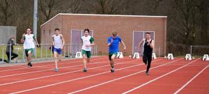 Leon Spiekerman in actie op de 100m