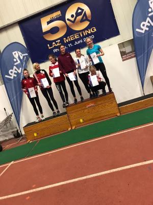 Femke Elise en Noortje wonnen polsstok in hun categorie