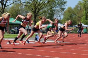 Krista en Marjolein op de 100m