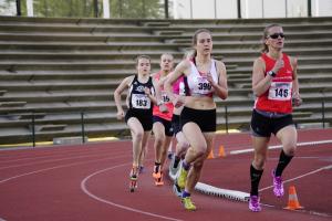Amber van Mourik op de 800m