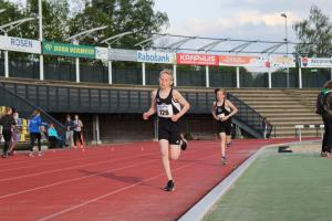 Mika ten Doeschot en Leon Wiedemeijer op de 800m