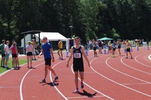 Arne liep 1:58,43 op de 800m