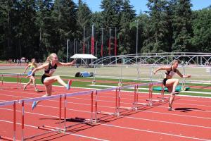 100m horden met Elise en Sophie