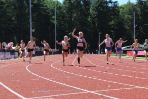 Krista won de 100m